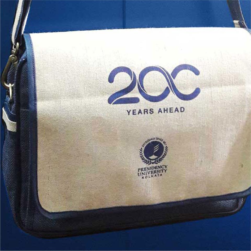 https://wysiwyg.co.in/sites/default/files/worksThumb/presidency-university-print-memorabilia-bag-2016-01.jpg
