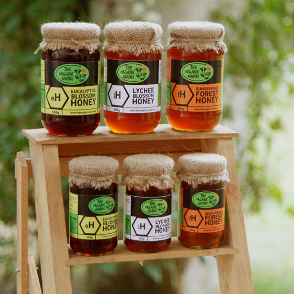 https://wysiwyg.co.in/sites/default/files/worksThumb/the-organic-mandi-packaging-photography-honey-2018.jpg